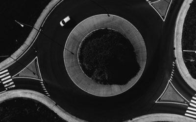 eiverTip n°110 : Comment prendre un carrefour à sens giratoire?