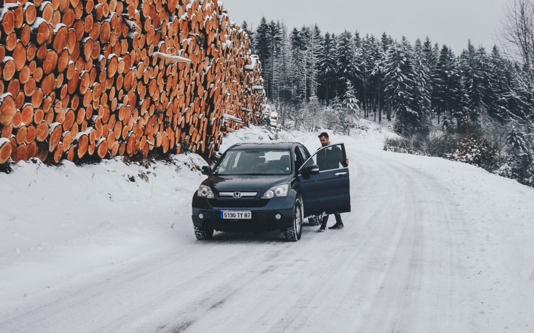 Voiture sur neige